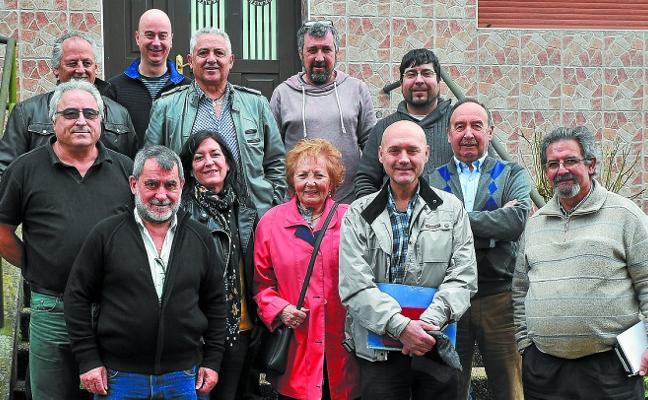 Representantes de las casas regionales se dieron cita en el Hogar Extremeño