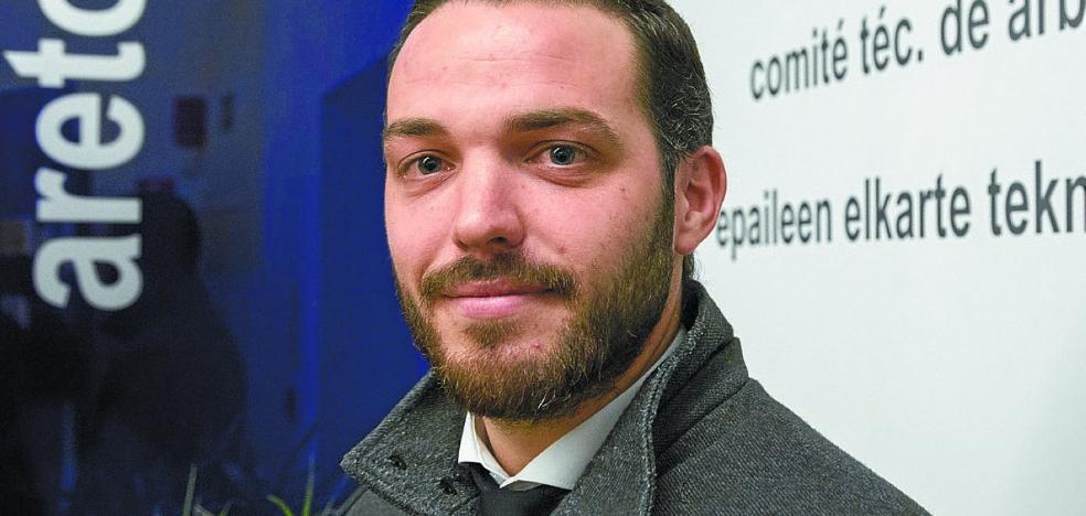 Manuel Sarrión: «Me voy de Gipuzkoa con pena; la polémica del euskera en nada empaña mi estancia»