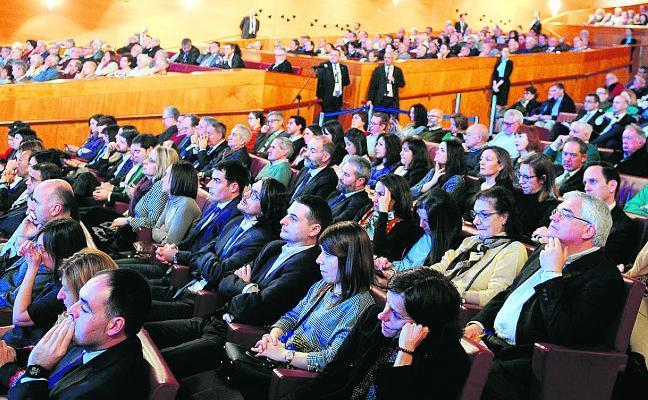 González vaticina la desaparición de la mayoría de los bancos actuales