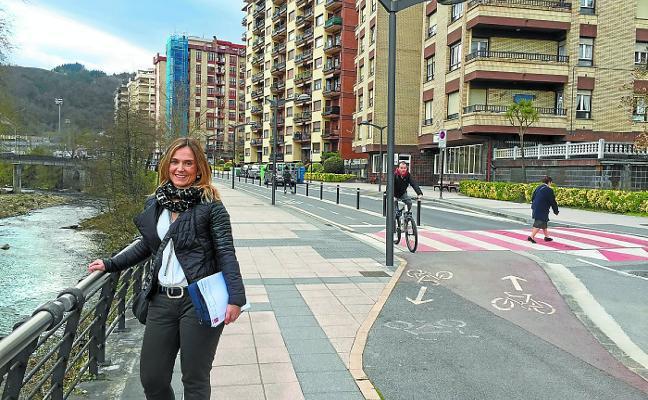Leire Artola: «El doble sentido en Igartza Oleta traerá mayor seguridad vial y otras mejoras»