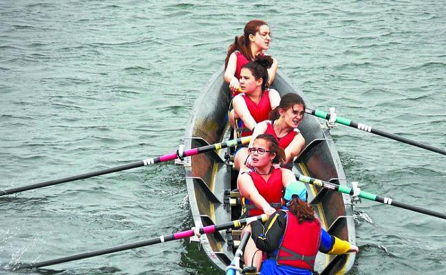 El TAK lleva ganadas ocho regatas en la Liga Guipuzcoana de bateles