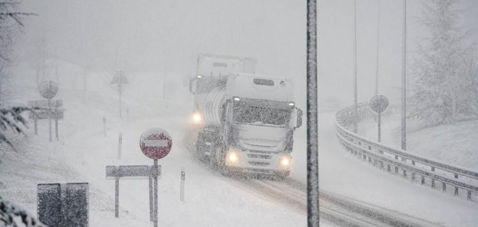 La nieve llega al interior de Gipuzkoa