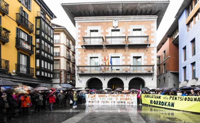 Los pensionistas vascos vuelven a manifestarse por unas pensiones públicas «dignas»