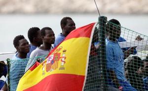 Retenido el barco de una ONG española en Sicilia tras rescatar 218 inmigrantes