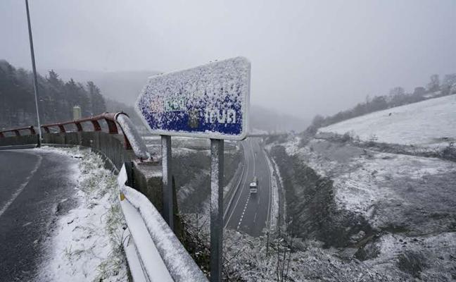 La cota de nieve baja esta noche a los 200 metros