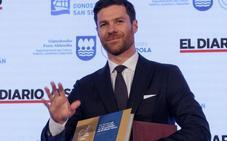 Xabi Alonso, premio 'Deportista cinco estrellas: «Le doy tanto valor a este premio como al Tambor de Oro»