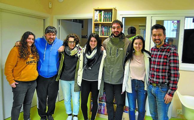 Cinco urnietarras presentan sus diaporamas de viajes en Sarobe