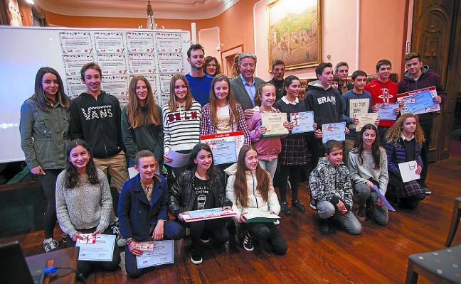 Los ganadores del Concurso de Micromensajes recibieron sus premios