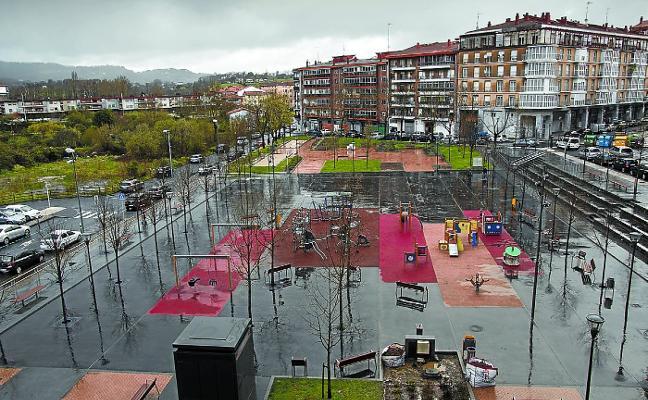 Los juegos infantiles del parque Julián Sánchez contarán con una cubierta