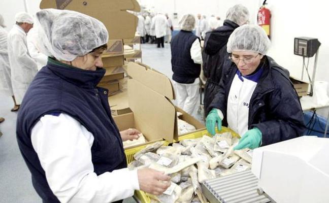 El foro sobre la brecha salarial sigue avanzando pese a las ausencias de ELA y LAB