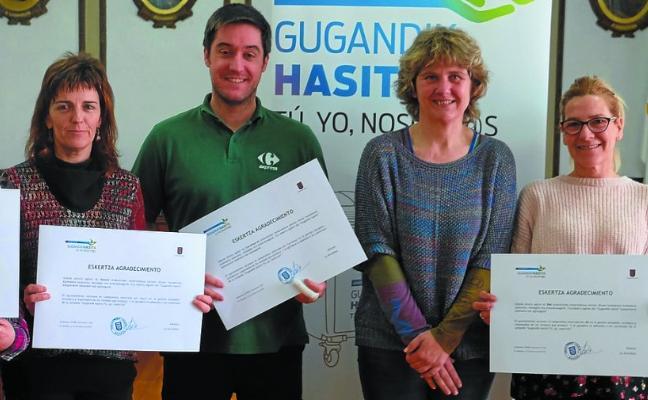Diplomas para los comercios por su compromiso con el reciclaje de residuos