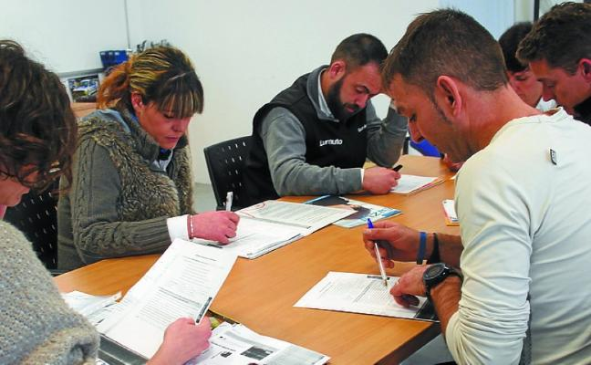 Los trabajadores de las empresas pequeñas y medianas de Oiartzun han comenzado a aprender euskera
