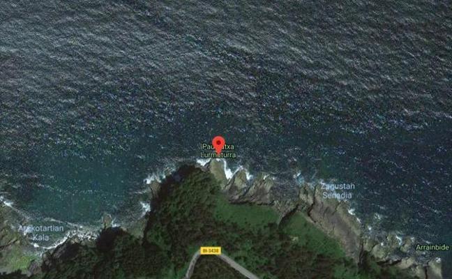 Aparece el cuerpo de una mujer flotando en el agua entre Lekeitio y Ondarroa