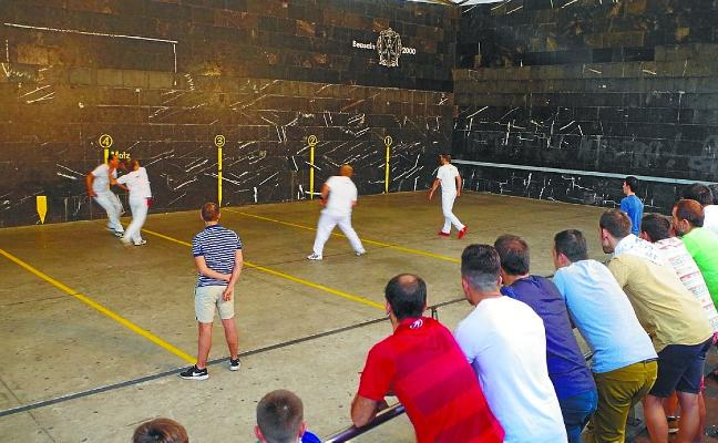 El VIII Torneo de Pelota llega a su sexta jornada a jugar hoy y el domingo
