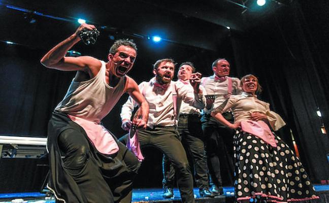 Hika teatroa llega hoy a Kultur Etxea para representar la obra 'Txarriboda'