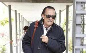 Julián Muñoz pasa por el hospital debido a una subida de tensión