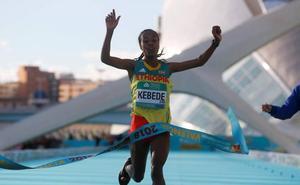 La etíope Kebede se proclama campeona con récord del mundo