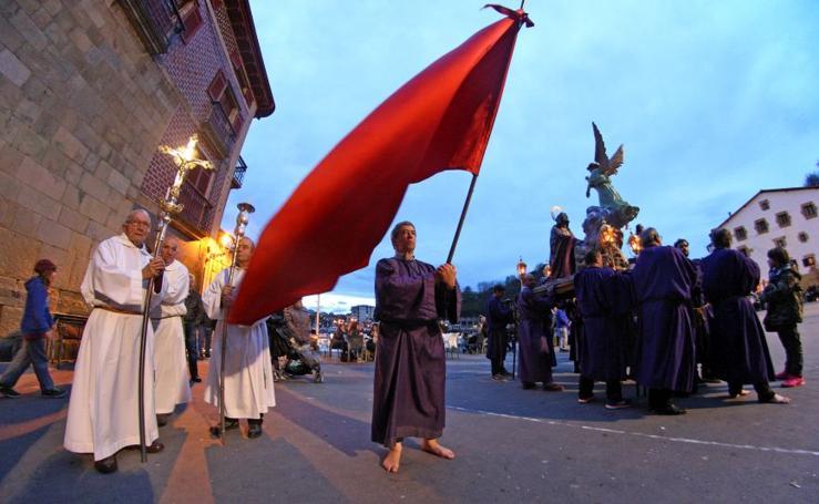 San Juan vive la procesión del Santo Entierro