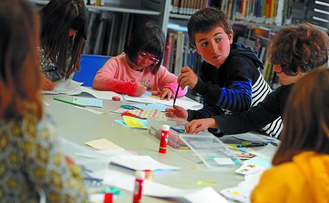 La biblioteca infantil pone en marcha este mes concursos de lectura y cómic