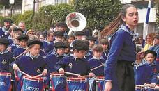 Fiesta a los sones de los tambores en Zumaia