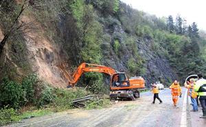 Los desprendimientos obligan a cortar el tráfico en varias carreteras de Gipuzkoa