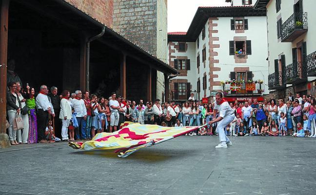 Concurso para el cartel de fiestas y abierto el plazo para elegir al protagonista del chupinazo