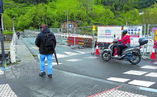 El puente de Astiñene vuelve a cerrarse,a partir del lunes, a todo tipo de tráfico