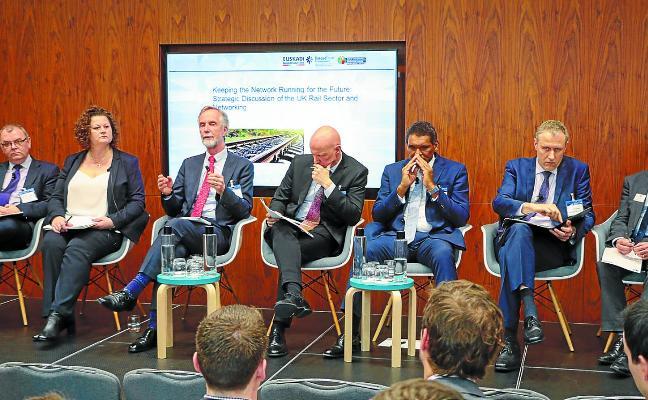 Tapia pone en valor en Londres el efecto tractor de CAF