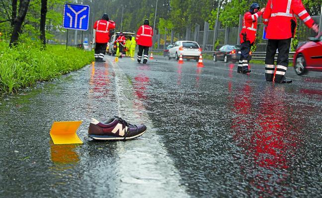 Muere una mujer tras ser atropellada en plena Variante de San Sebastián
