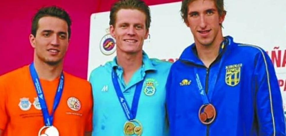 Catalina Corró y Oskitz Aguilar, plata y bronce en Campeonato de España de Natación