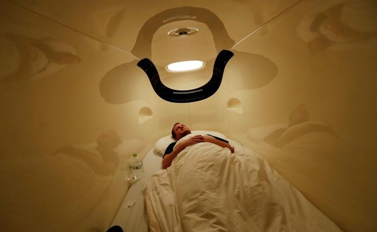 Dormir en un hotel cápsula