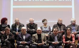 Ibarretxe y Garaikoetxea lideran con la izquierda abertzale una nueva plataforma soberanista