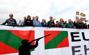Los cazadores piden el fin de «insultos y amenazas» con una manifestación en San Sebastián