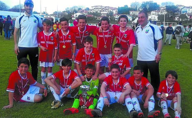 La UKE se lleva la Europa League en la categoría infantil del torneo Les Englantis