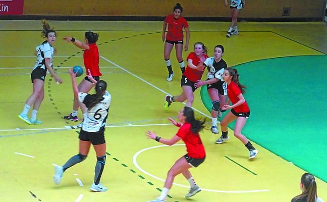 Las féminas del Aiala pierden contra el Zamora (23-26) y se quedan sin la fase final