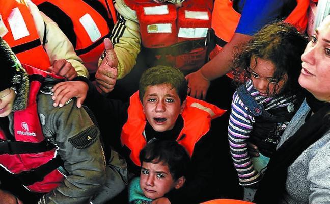 Hotz recuerda con otra 'gran recogida' que el drama de los refugiados continúa