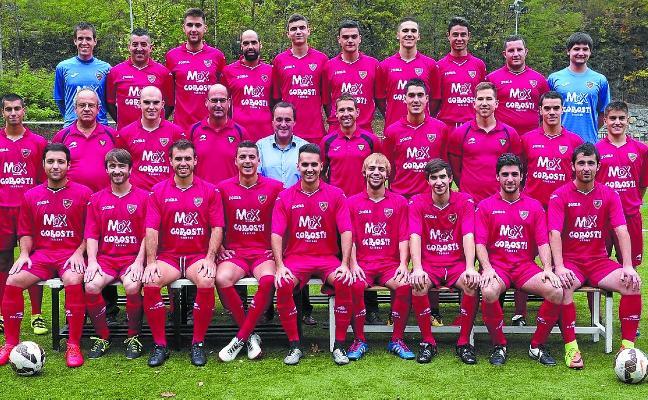 Futbol talde nagusia, jaitsiera postuetatik kanpo Soraluzen 2-2 berdindu ondoren