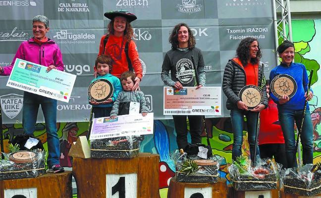 Oier Ariznabarreta y Oihana Azkorbebeitia ganan la XIV Media Maratón de Montaña de Bera