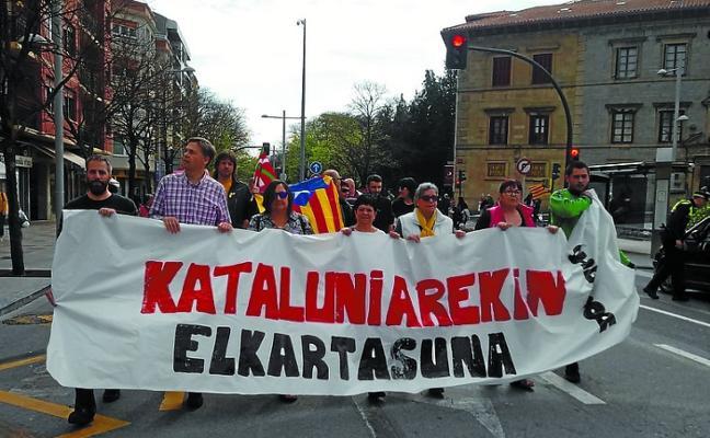 Irun Kataluniarekin se manifestó el domingo contra «la estrategia represiva» del Estado