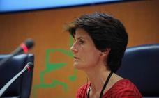 Una 'niña robada' nacida en San Sebastián pide en el Parlamento Vasco ayuda y reconocimiento para casos como el suyo