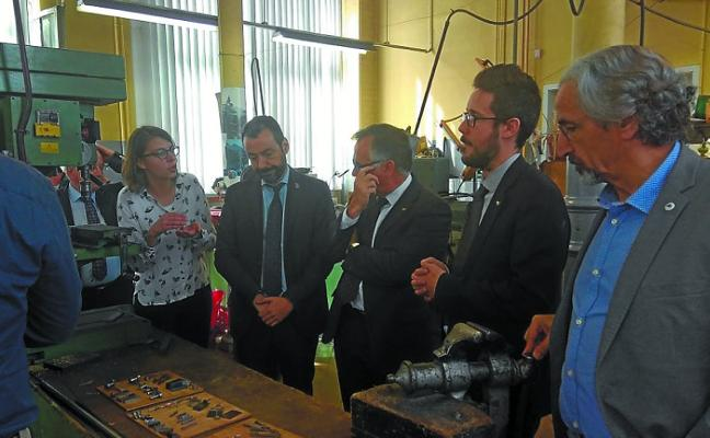 El sector armero busca referencias en la Escuela de Armería de Lieja