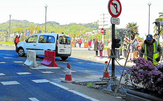 Una sentencia obliga a indemnizar por resbalar en la rejilla de la Avenida
