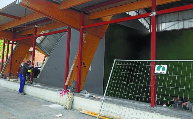 Las obras del cerramiento del frontón Behar Zana, en marcha