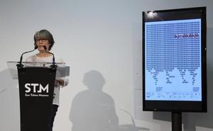 San Sebastián recupera la exposición 'Ikimilikiliklik' como homenaje al poeta Joxean Artze