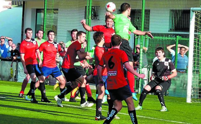 Balsámico gol de Iturriria que le da tres puntos vitales al Baztan