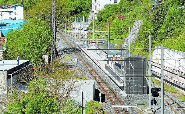 Alcaldía negocia con Transportes la creación del paseo Estación-Azitain cubriendo la vía
