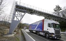 Los transportistas solicitarán a las Juntas de Gipuzkoa la suspensión temporal del peaje en la N-1 y A-15