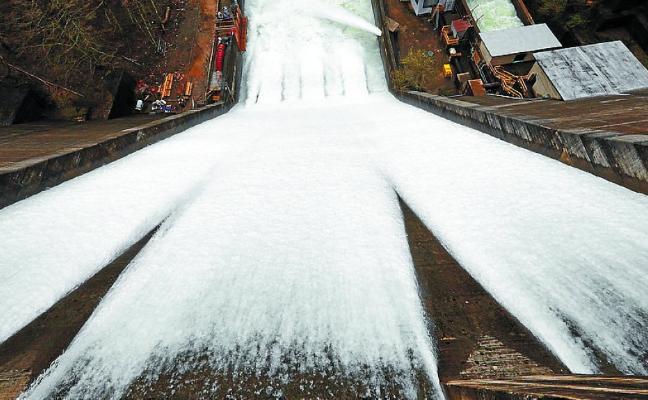 Añarbe ha desembalsado agua como para llenar las otras ocho presas de Gipuzkoa