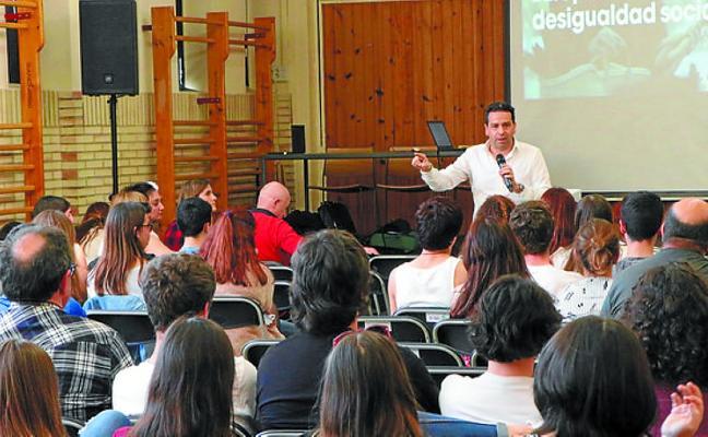 La Diputación comparte los proyectos de futuro con estudiantes de bachiller
