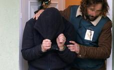 La juez vuelve a imputar a 'el Chicle' por la presunta violación de su cuñada